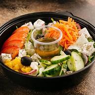 Греческий салат-боул Фото