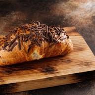 Круассан шоколадный Фото