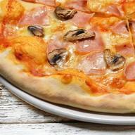 Прошутто-фунги пицца Фото