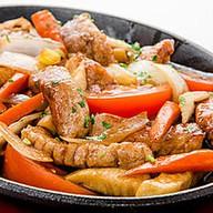 Сковородка со свининой Фото