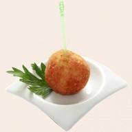Рисовый шарик с курицей и карри Фото