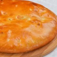 Пирог осетинский с луком, яйцом и сыром Фото