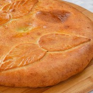 Татарский пирог с лососем и сыром Фото