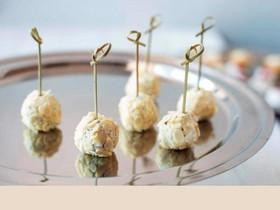 Сырный шарик с виноградом (за сутки) - Фото