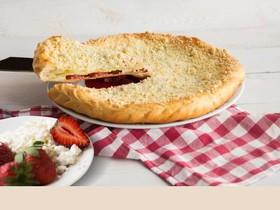 Пирог с клубникой и творогом - Фото