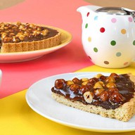 Тарт с шоколадом, карамелью и фундуком Фото