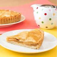 Тарт с яблоком и миндальнымии лепестками Фото