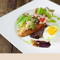 Тост с куриным паштетом и овощами Фото