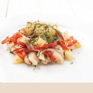 Тилапия с овощами Фото