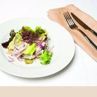 Салат с говядиной и фасолью Фото
