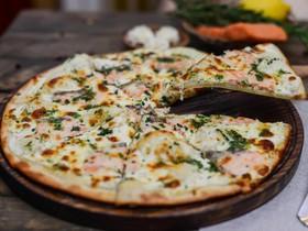Пицца с семгой и сливочным сыром - Фото