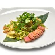 Салат с тунцом и ананасом Фото