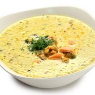 Сливочный суп Юкио с лососем и мидиями Фото
