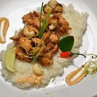 Куриное филе с рисом в соусе Фото