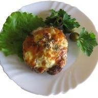 Бифштекс из свинины с сыром и томатами Фото