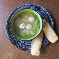 Суп с клецками и куриными фрикадельками Фото