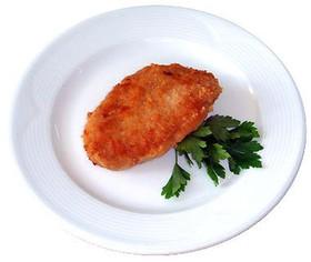 Котлета куриная с салатом из моркови - Фото
