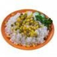 Рис отварной с кукурузой и горошком Фото