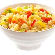 Рис отварной со свежими овощами Фото