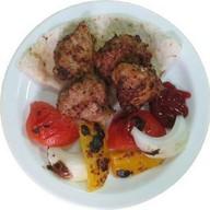 Шашлык из курицы с запеченными овощами Фото