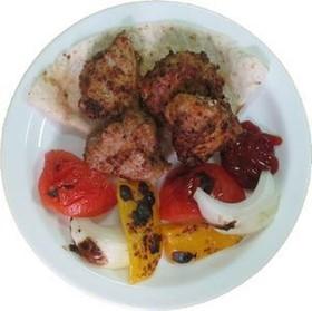Шашлык из курицы с запеченными овощами - Фото