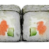 Сливочный ролл с лососем Фото