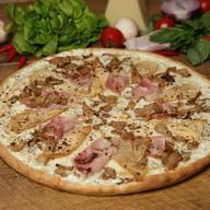 Пицца с карбонадом Фото