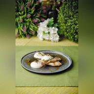 Камбала картофельной эспумой и соусом Фото