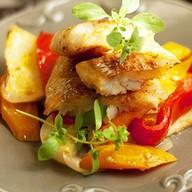 Рыба запечённая в духовке с овощами Фото