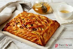 Пирог с мясом и картофелем под сыром - Фото