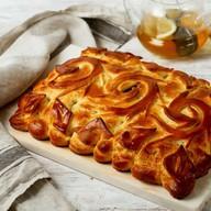 Пирог с сайрой и капустой Фото