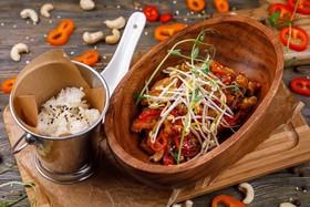 Курица wok с кешью - Фото