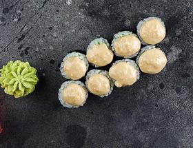 Ролл с авокадо и ореховым соусом - Фото