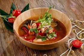 Суп с куриным филе и креветками - Фото