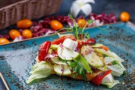 Овощной микс с авокадо на чиабате - Фото
