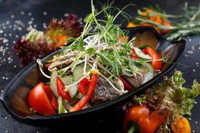Тайский салат c говядиной - Фото