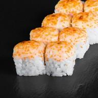 Запеченный ролл Лосось и сыр с салатом Фото
