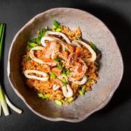 Рис чесночный с морепродуктами Фото
