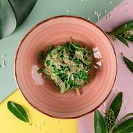 Чука салат под ореховым соусом Фото