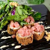 Tartar roll, тунец Фото