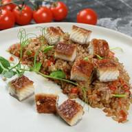 Рис в соевом соусе с угрём Фото