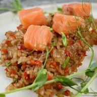 Рис в соевом соусе с лососем Фото