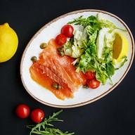 Салат с семгой Фото