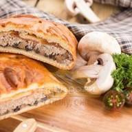 Фирменный пирог с мясом Фото