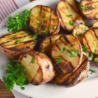 Картофель на мангале Фото