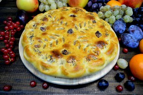 Пирог с яблоками, корицей и орехами - Фото