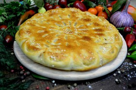 Осетинский пирог с мясом, грибами, сыром - Фото