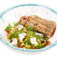 Израильский салат с сыром тофу Фото