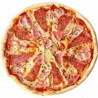 Пицца с ветчиной и беконом Фото