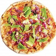 Пицца с курицей и пепперони Фото